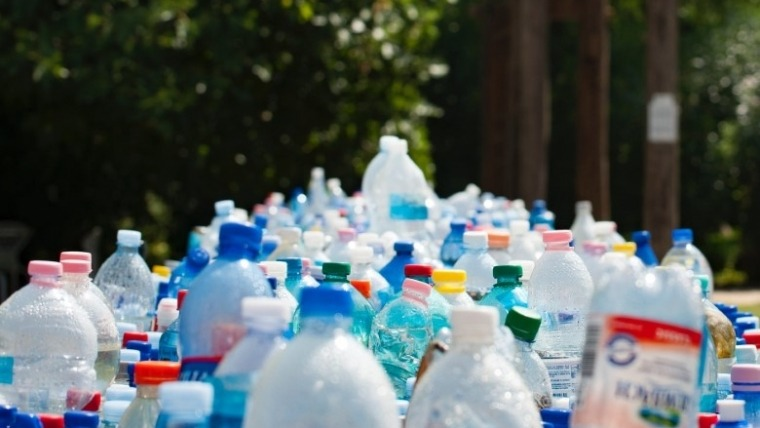 Vrati plastičnu flašu i zaradi – da Srbija bude čista