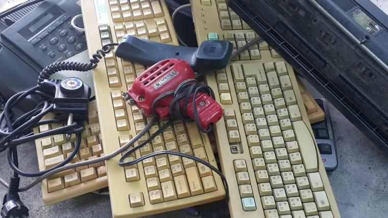 Čak 41 odsto građana Srbije baca elektronski otpad u kontejner