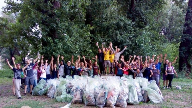Ko su srpski heroji otpada i zašto su uputili molbu kompanijama da smanje upotrebu jednokratne plastike