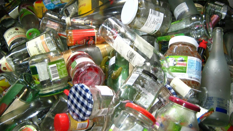 """Građani Srbije žele da recikliraju – u akciji """"Otpad odvoji, poklon osvoji"""" prikupljeno više od 6.000 staklenih flaša i tegli"""