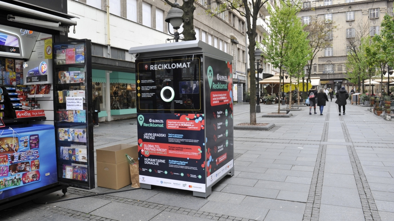 U Beogradu postavljen prvi reciklomat – zarada 3 do 5 dinara po ambalaži