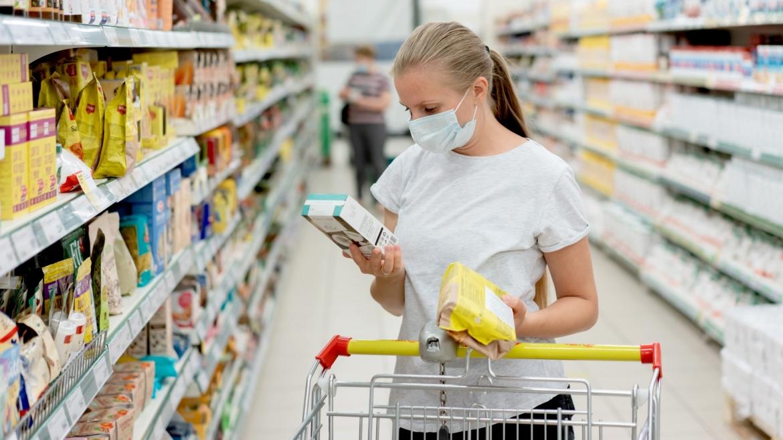 Supermarketima u Srbiji isplativije da bace namirnice umesto da ih poklone – PDV na donacije nije ukinut