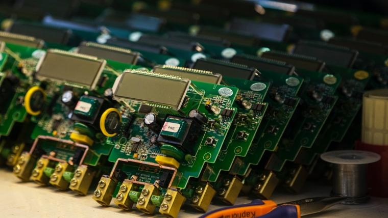 Od starog laptopa do prstena – biorafinerije za preradu elektronskog otpada